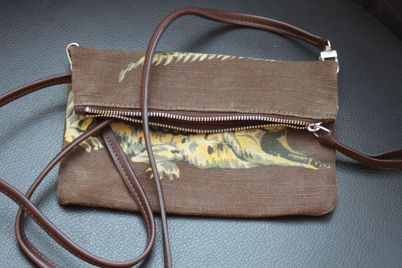 handtaschen accessoires second hand lovelycurves. Black Bedroom Furniture Sets. Home Design Ideas